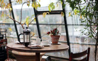Mangler I nye caféborde til caféen?